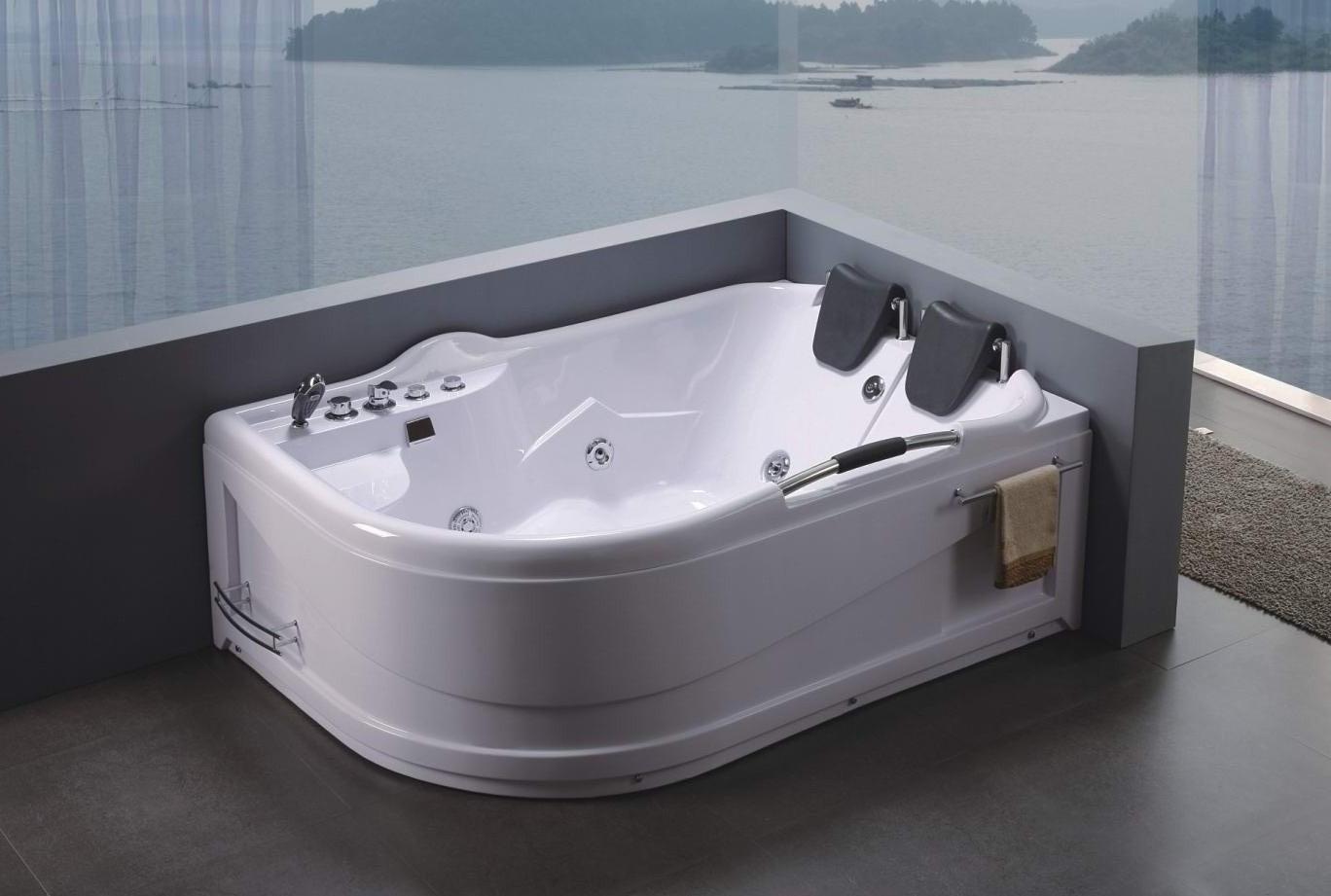 Jacuzzi In De Badkamer ~ Whirlpools zorgen voor luxe in de badkamer